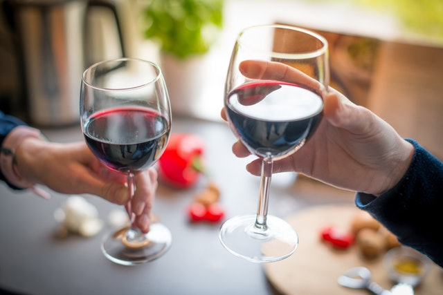 Four Easy Steps to Hosting a Great Wine Tasting Party